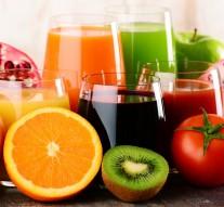 Świeże soki warzywne i owocowe – dlaczego warto je pić?